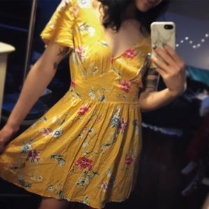 Yellow floral sundress, NWOT